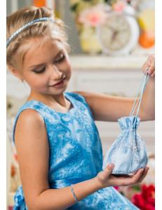Сумочка-мешок голубого цвета с вышивкой Лулу